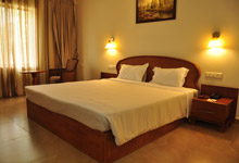 Sadhoo Heritage Hotel Deluxe Room small2